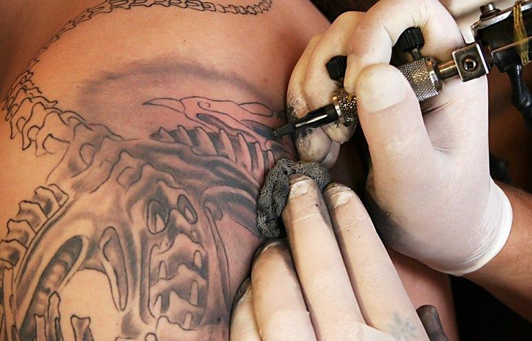 Jak Prawidłowo Dbać O Tatuaż