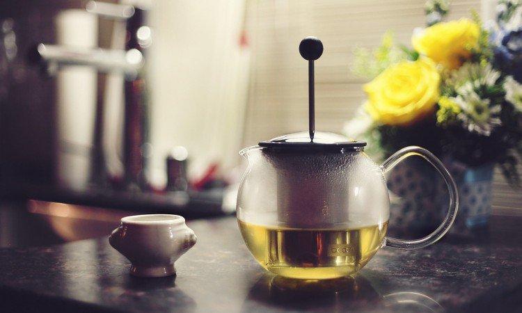 ból brzucha po zielonej herbacie