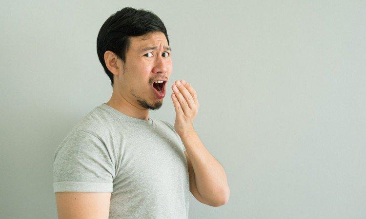 Jak poprawić nieświeży oddech – skuteczne sposoby